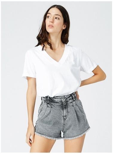 Fabrika Comfort Fabrika Comfort Kadın V Yaka Beyaz T-Shirt Beyaz